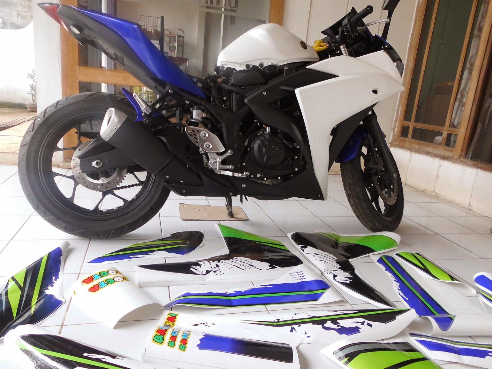 Modifikasi custom striping motor yamaha r25 dengan motif motogp by digitive
